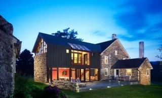 Stara kamena kuća pretvorena u raskošnu vilu