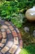 Vrtna staza od šljunka, pijeska i kamena